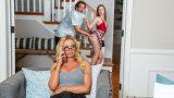 Uyanık Üvey Annesinin Arkasından İş Çevirmenin Bedelini Ödüyor